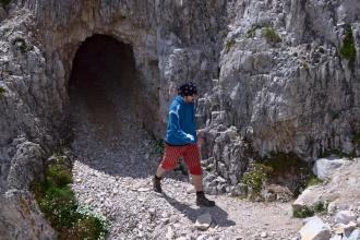 Lukas sel omrknout tunel - je tam tma :)