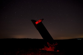 Dobsonuv teleskop pri nocnim pozorovani
