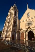 Jeden z Negombských kostelů
