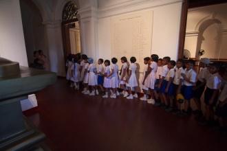 Když jsem se vracel, přišla spousta dětí s učitelkama