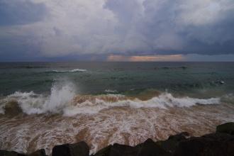 Špinavé moře u pobřeží Colomba