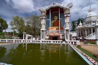 """Ojedinělý buddhistický chrám. Negombo je jinak silně """"křesťanské""""."""