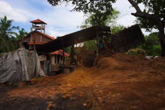 Zpracování kokosů pro náplně do matrací