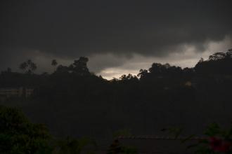 Obloha se zatáhla a pršelo až do noci