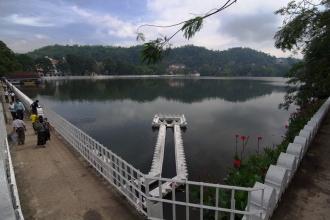 Pohled na jezero z jihozápadního konce