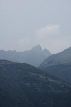 Vzdálené vrcholky Italských Alp.
