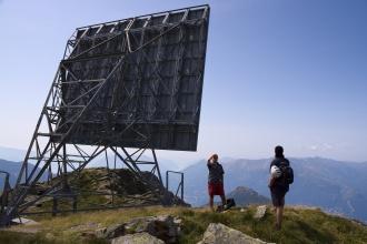 Kovová konstrukce před posledním výstupem na Mt. Legnone.