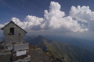 Vrchol Mt. Legnone.