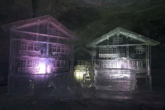Klein Matterhorn Glacier Paradise - ledové sochy.