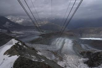 Poslední úsek lanovky z/na Klein Matterhorn.