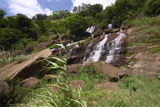 Okolí Ramboda vodopádu.