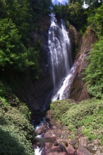 Vodopád před vesnicí Dalhousie [Delhaus].