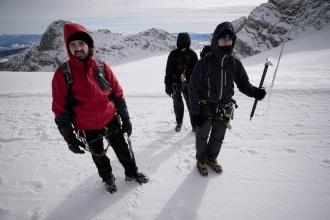 Odhodlaní polárníci chvíli před nástupem na ferratu.