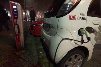 Čerpací stanice elektromobilů.