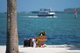 Podél pobřeží a přístavu v Miami ...