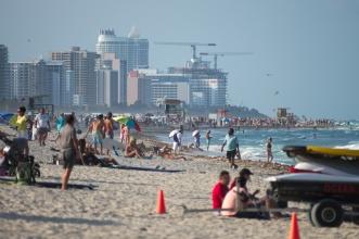 Pláže podél Miami Beach. Čisto a docela dost lidí :(