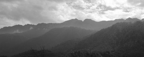Pohled na Fansipan, nejvyšší horu Vietnamu.