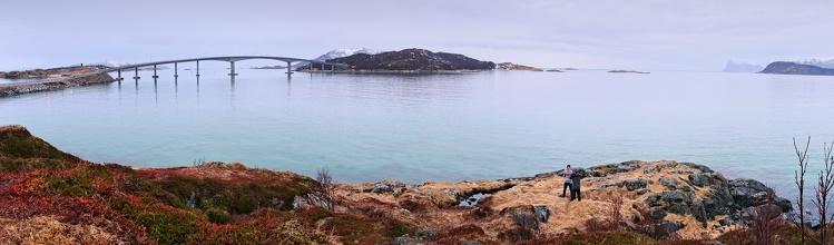 Most na ostrov Sømmaroya